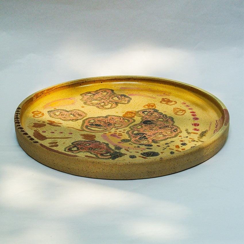 Round Plate in Sand