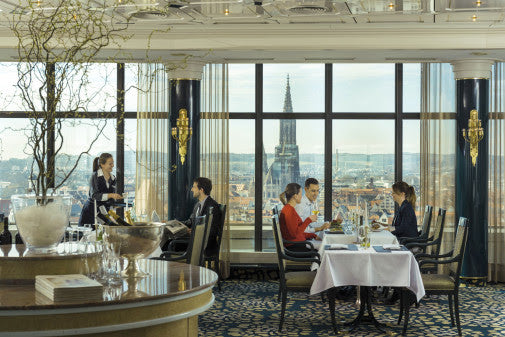 Enjoy the spectacular view: The Panorama Restaurant on Maritim Hotel Ulm´s 16th floor.