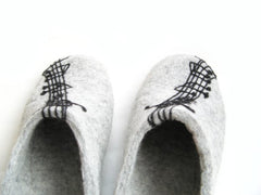 Womens Felted Slippers Grey Personalized Music Contrast Sole - Wool Walker  - 9
