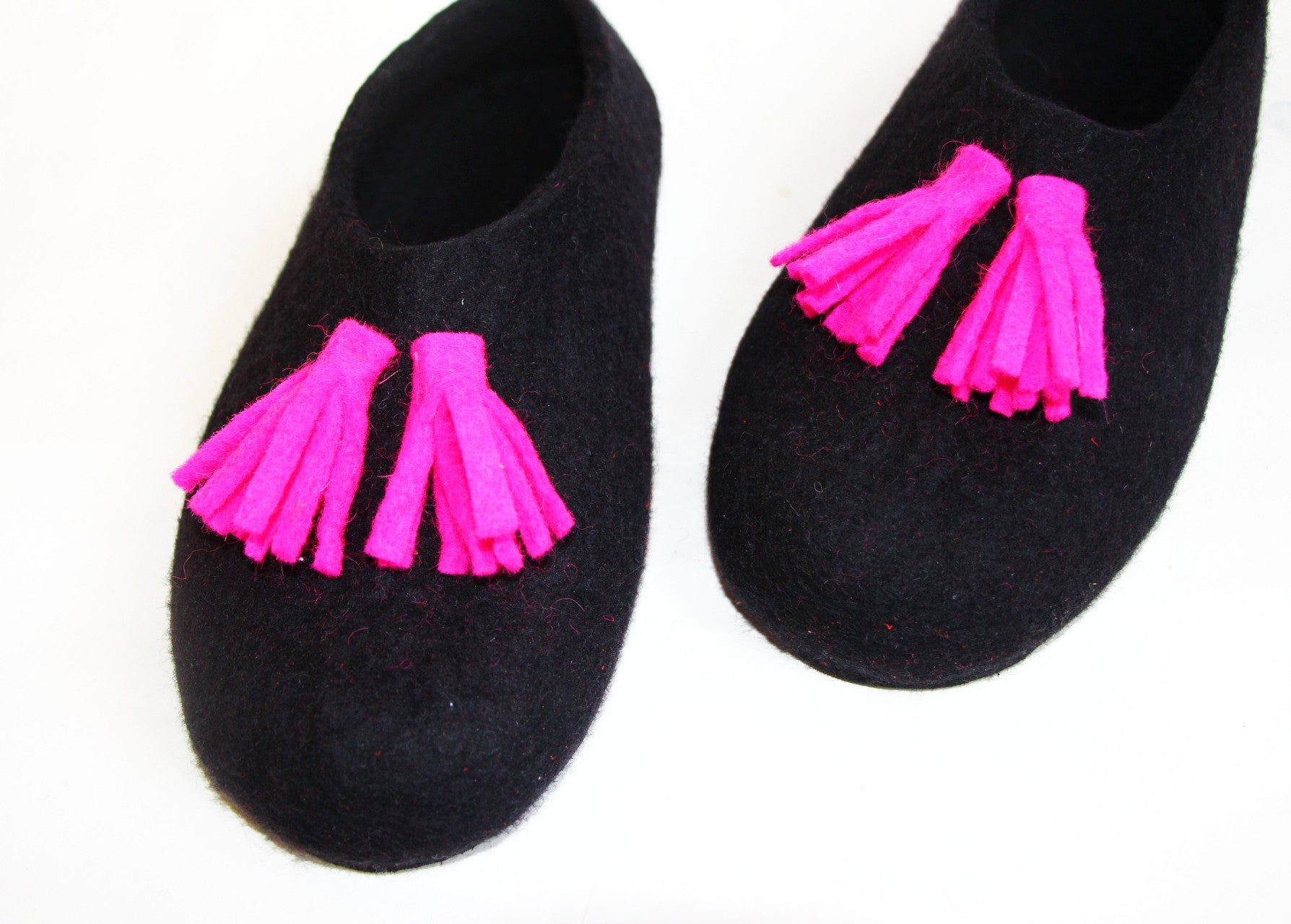 Womens Tassel Slippers Black Fuchsia Contrast Sole - Wool Walker  - 3