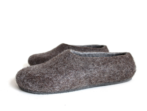 WOOL WALKER Men Wool House Shoes Hygge Brown are handmade using cruelty free organic wool