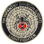 "PINS- ARMY, 007TH INF.DIV.LT (1"")"