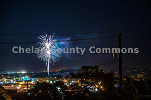 Wenatchee Fireworks over the Columbia River , JPG Image Download - Brian Mitchell, Chelan County Commons