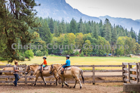 Kids Horseback Riding in Stehekin