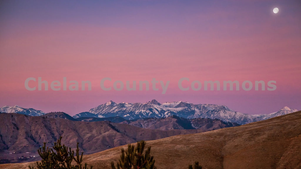 Cascades Moon Mountain Sunrise , JPG Image Download - Travis Knoop, Chelan County Commons