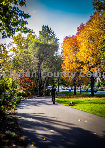 Wenatchee Waterfront Fall Walker
