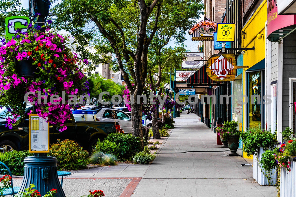 Wenatchee Ave. Sidewalk , JPG Image Download - Brian Mitchell, Chelan County Commons