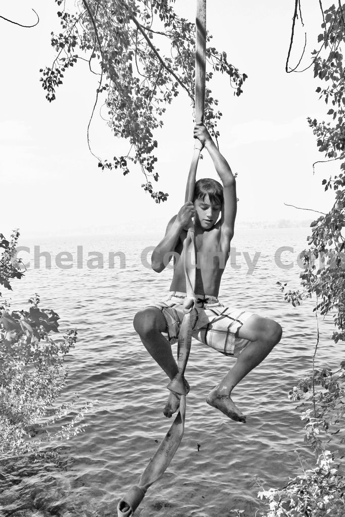 B&W Rope Swingin' , JPG Image Download - Jared Eygabroad, Chelan County Commons