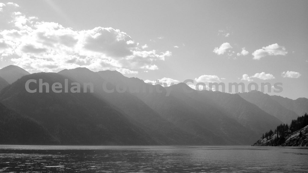 Lake Chelan in Black and White , JPG Image Download - Travis Knoop, Chelan County Commons