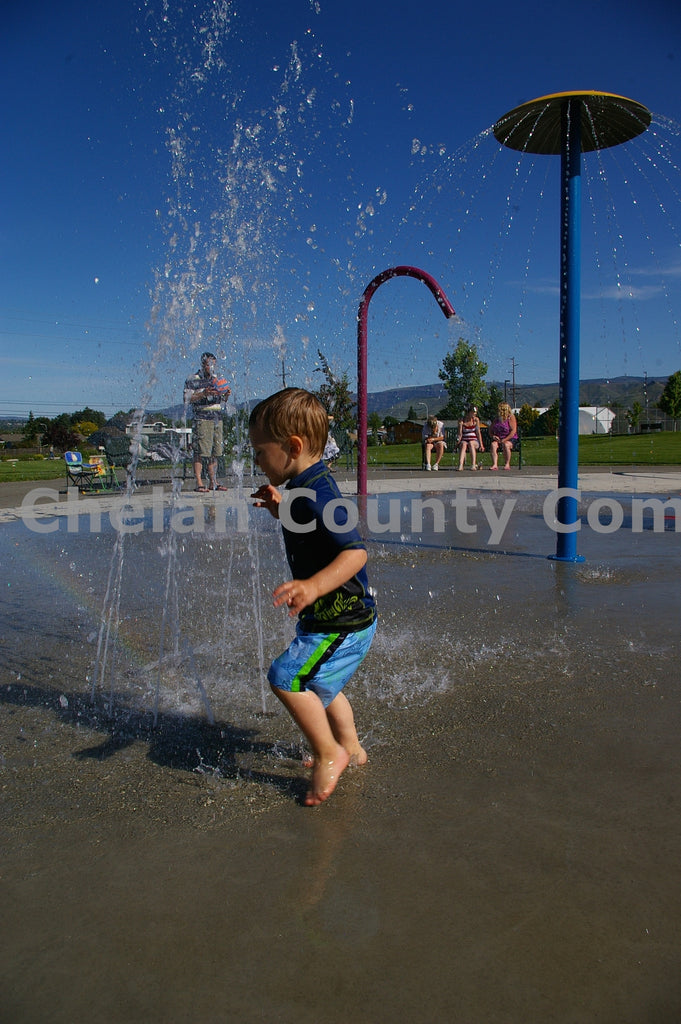 Rotary Park Play , JPG Image Download - Steve Scott, Chelan County Commons