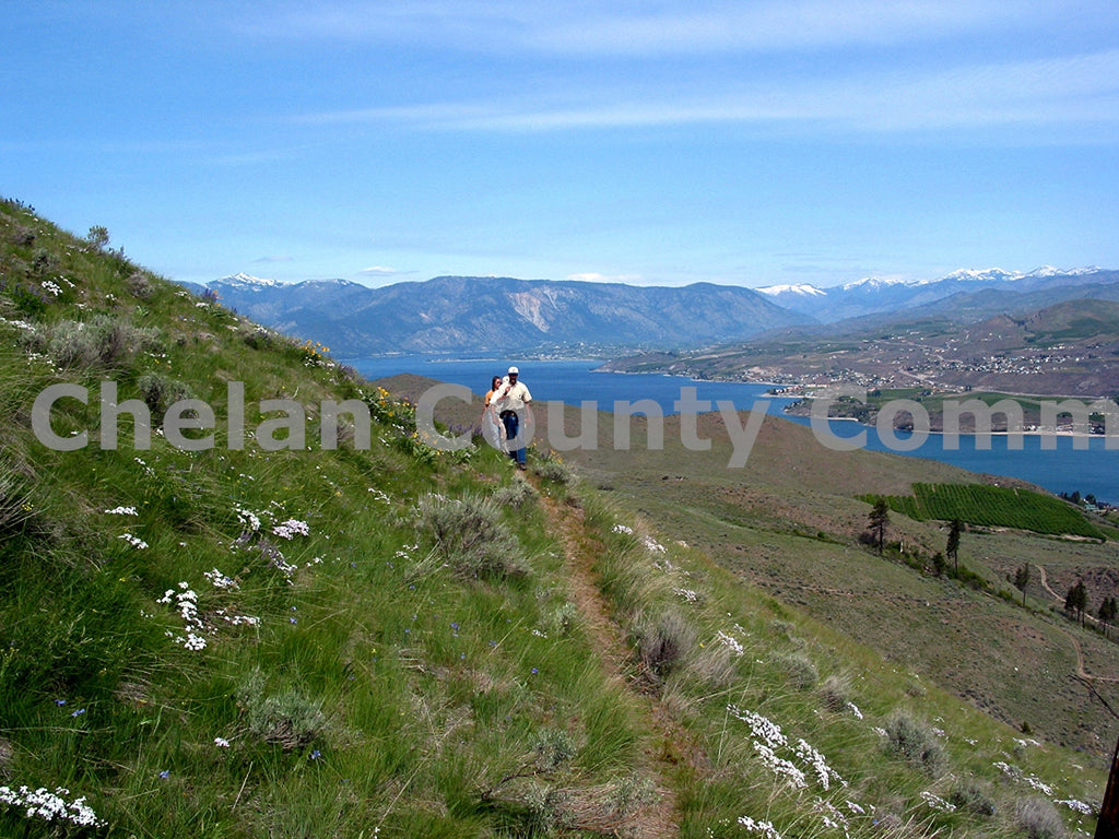 Hiking Chelan Butte , JPG Image Download - Richard Uhlhorn, Chelan County Commons