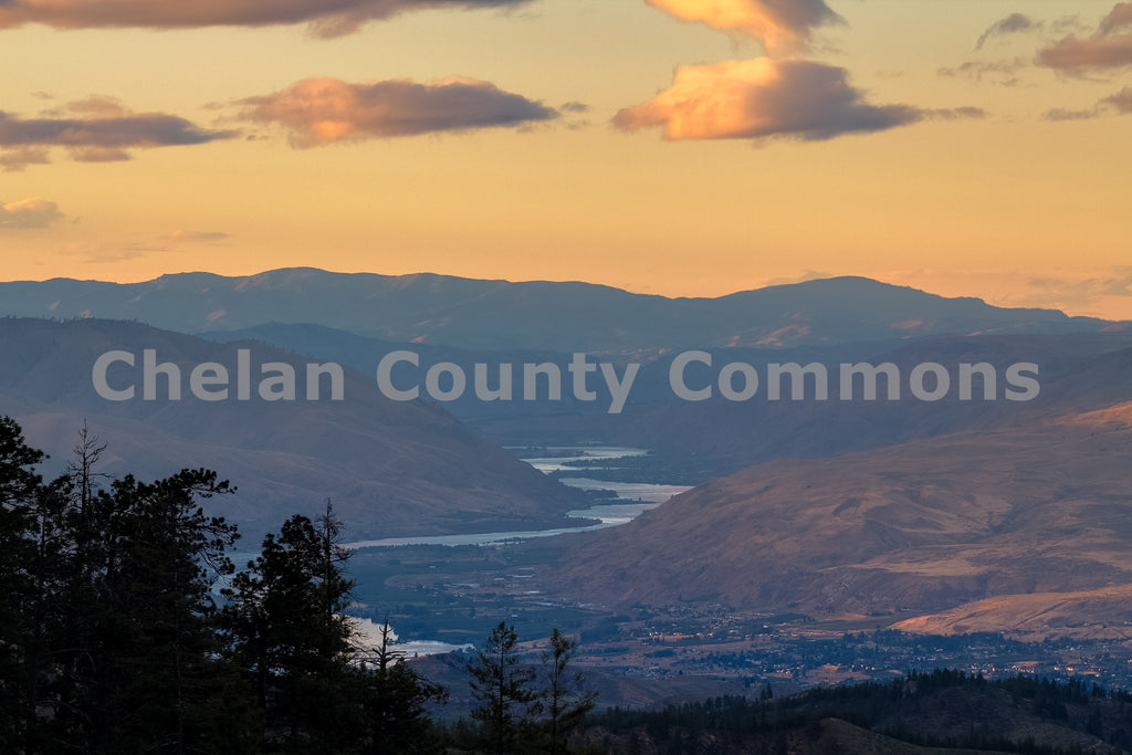 Columbia River Pink Sunset , JPG Image Download - Travis Knoop, Chelan County Commons