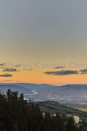 Columbia River Dusk - Vertical , JPG Image Download - Travis Knoop, Chelan County Commons