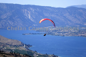 Paragliding Lake Chelan , JPG Image Download - Richard Uhlhorn, Chelan County Commons