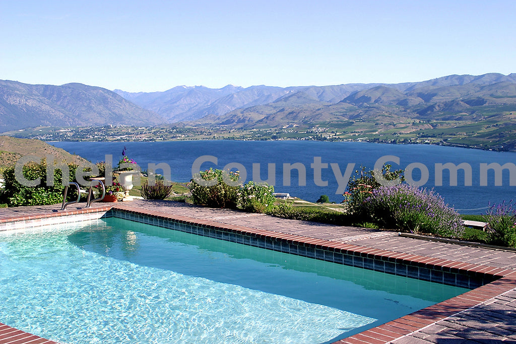 Lake Chelan Pool View , JPG Image Download - Richard Uhlhorn, Chelan County Commons