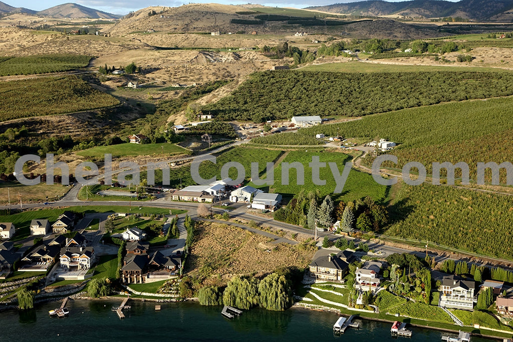Lake Chelan Winery Country , JPG Image Download - Richard Uhlhorn, Chelan County Commons