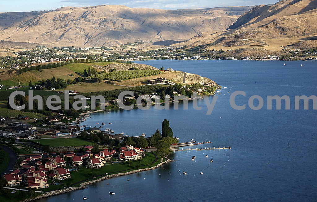 Lower Lake Chelan Condos 2 , JPG Image Download - Richard Uhlhorn, Chelan County Commons