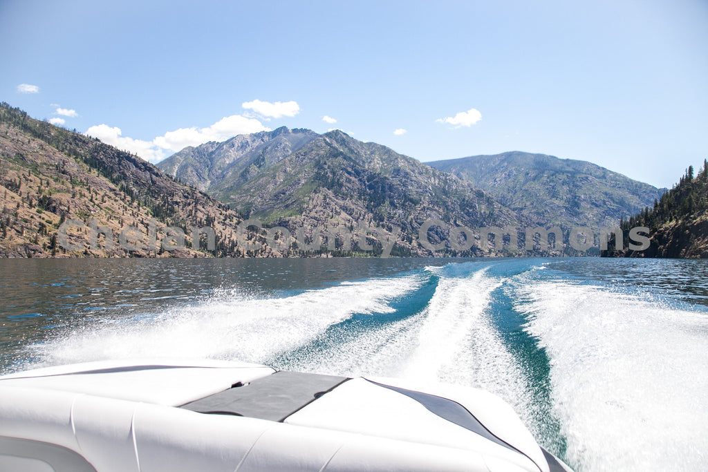 Boating In Lake Chelan , JPG Image Download - Travis Knoop, Chelan County Commons