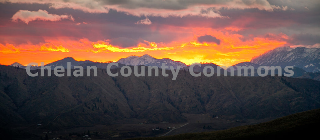 Glowing Cascade Horizon , JPG Image Download - Travis Knoop, Chelan County Commons