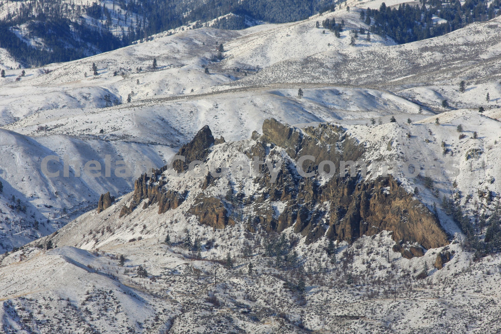 Aerial Saddle Rock , JPG Image Download - Keith Mickelson, Chelan County Commons
