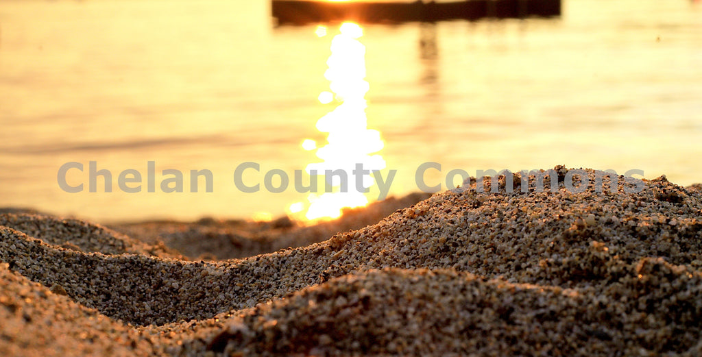 Lake Chelan Sandy Beach , JPG Image Download - Jared Eygabroad, Chelan County Commons