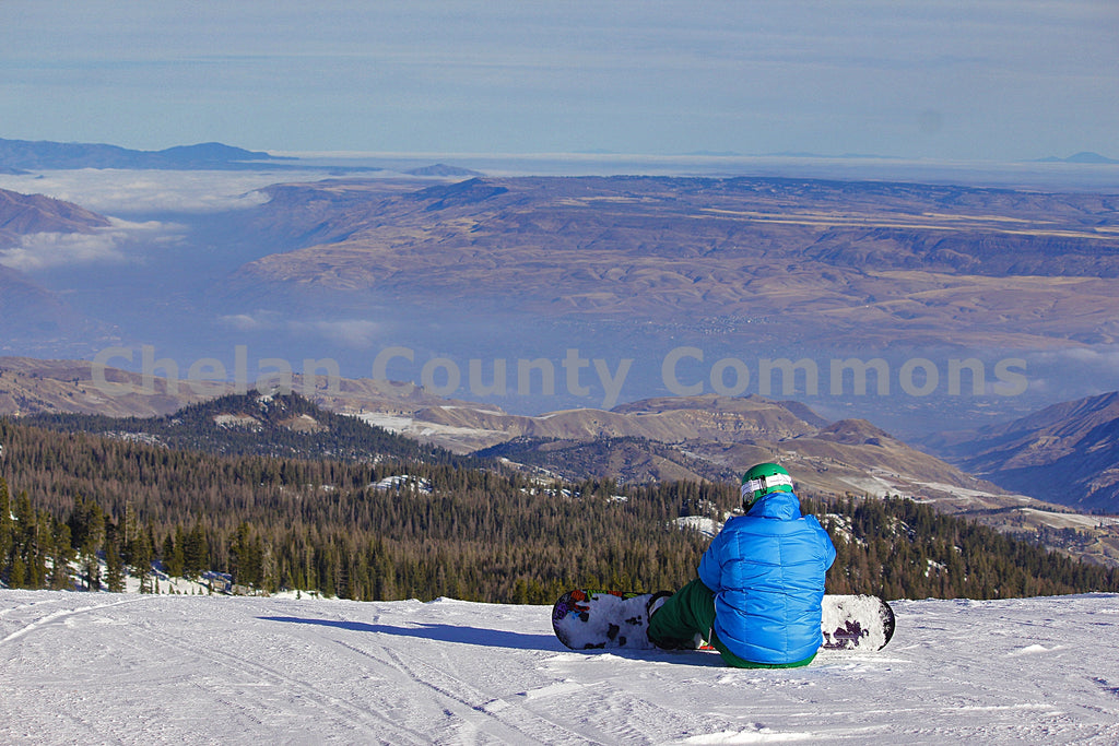 A Scenic Sit , JPG Image Download - Jared Eygabroad, Chelan County Commons