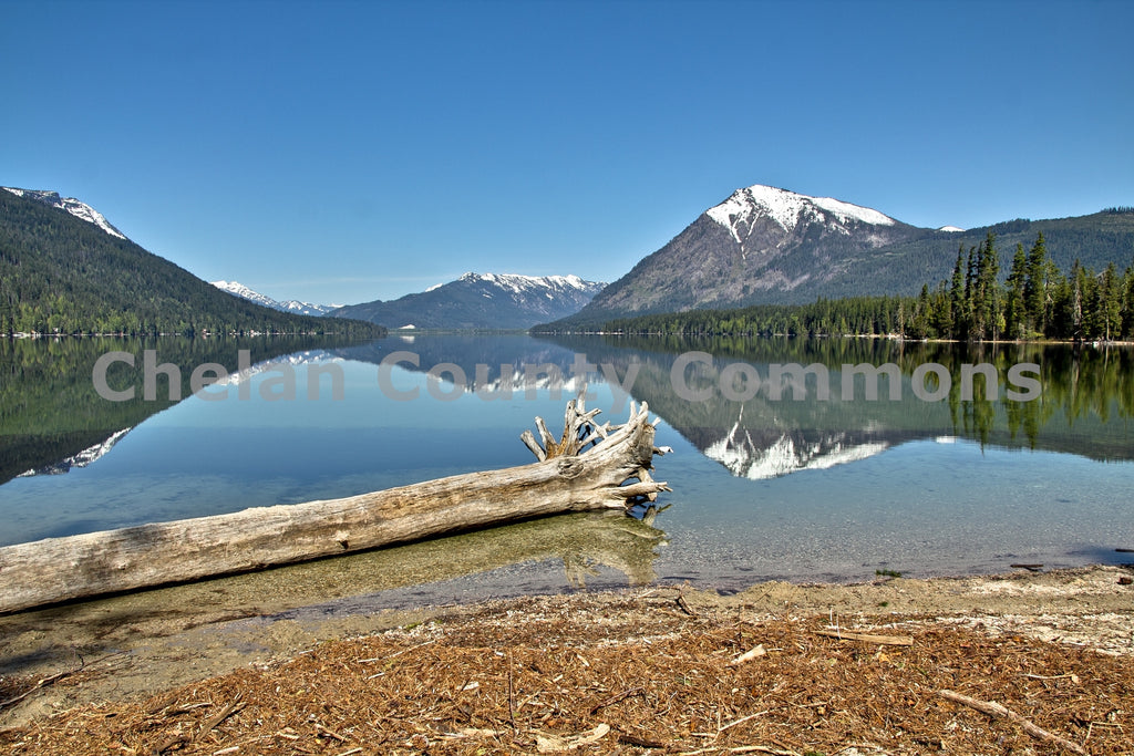 Beach Log at Lake Wenatchee , JPG Image Download - Travis Knoop, Chelan County Commons