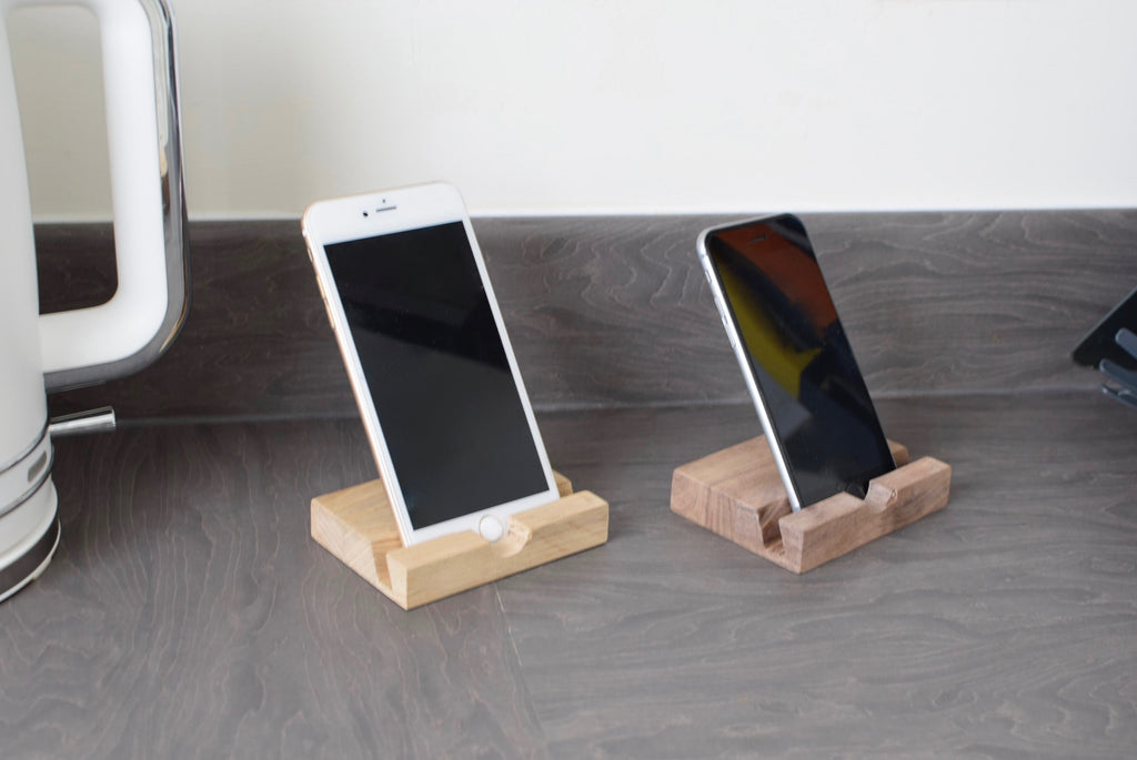 Apple iPhone ' Stand / Dock - Oak - Mintapple