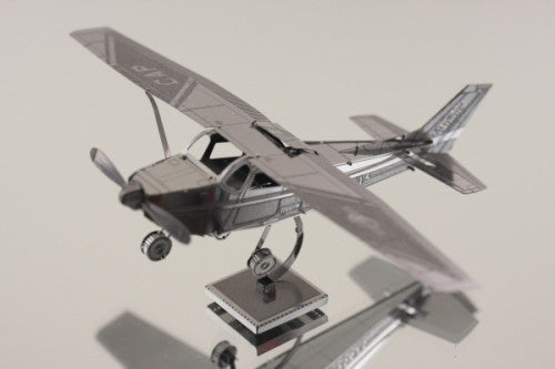 Metal Earth Cessna 172 Metal Model Kit