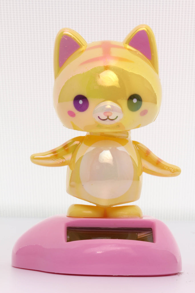 Solar Pearlescent Yellow Tabby Cat Wobbler