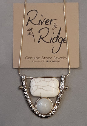 Cream crackle stone necklace