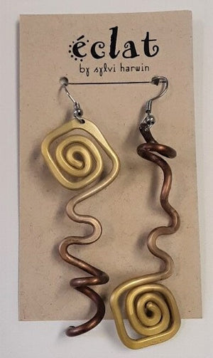 Eclat Gold Swirl Metallic Earrings