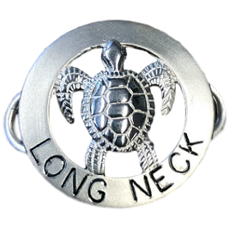 Le Stage Clasp, Turtle in Circle - Long Neck