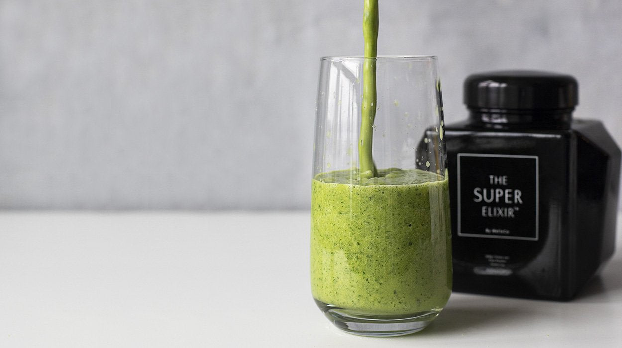 THE ULTIMATE SMOOTHIE FOR A THRIVING BODY & GLOWING SKIN