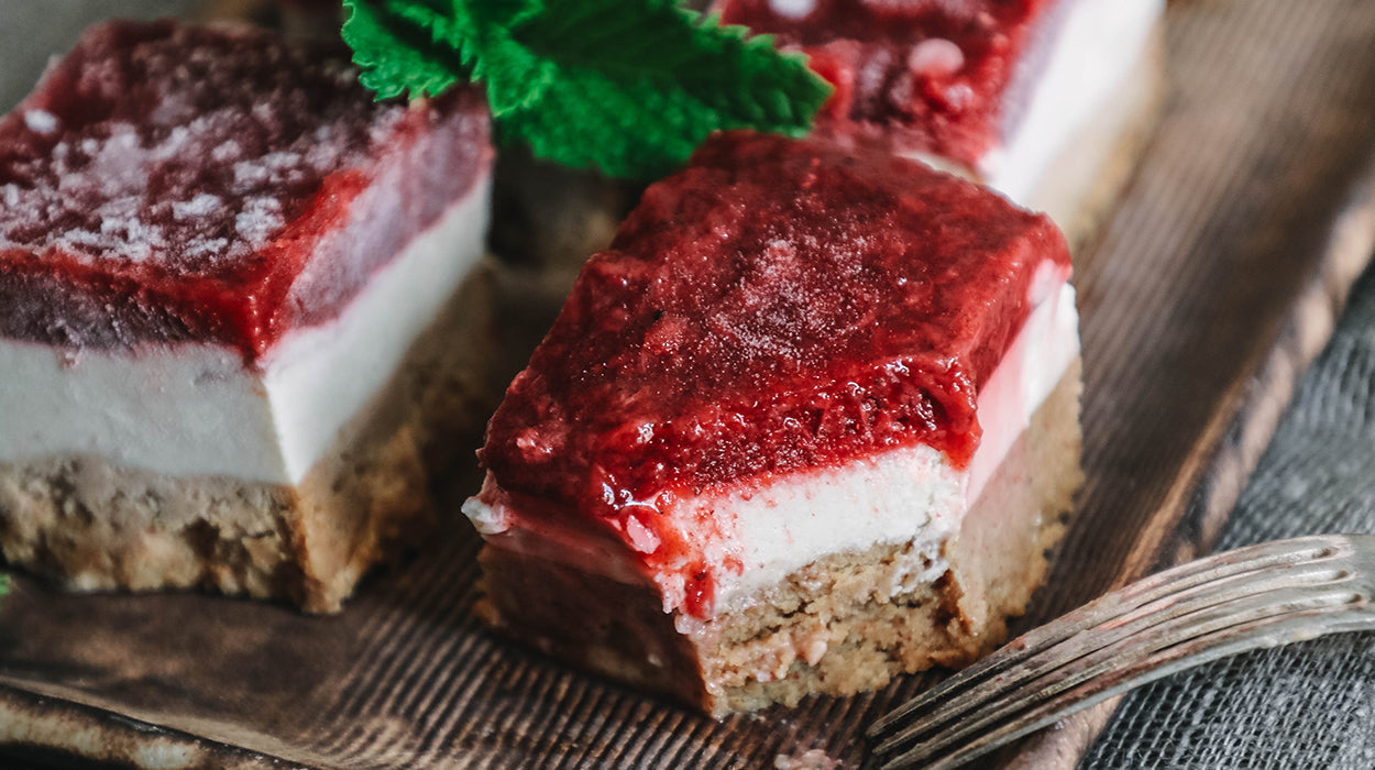 This Raw Cheesecake Is Neither Cake Nor Cheese