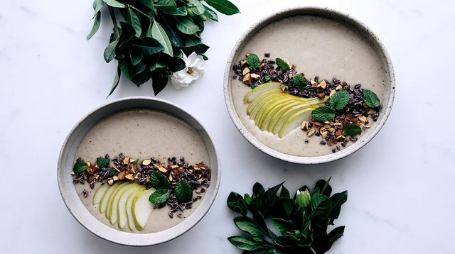 Make The Banana, Pear & Vanilla Smoothie Bowl