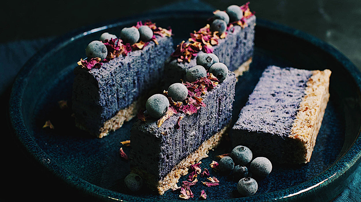 Blueberry, Coconut and Vanilla Raw Cheesecake