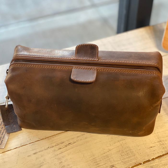 Leather Dopp Kit, Distressed Leather
