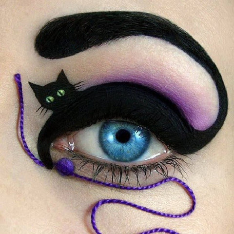 Cat Eye Halloween eye makeup