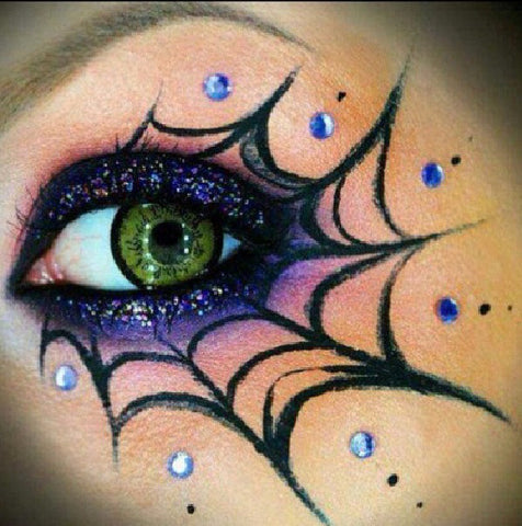 Web Halloween eye makeup