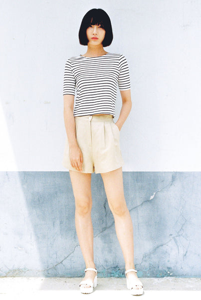 Poster pleat wide leg linen shorts
