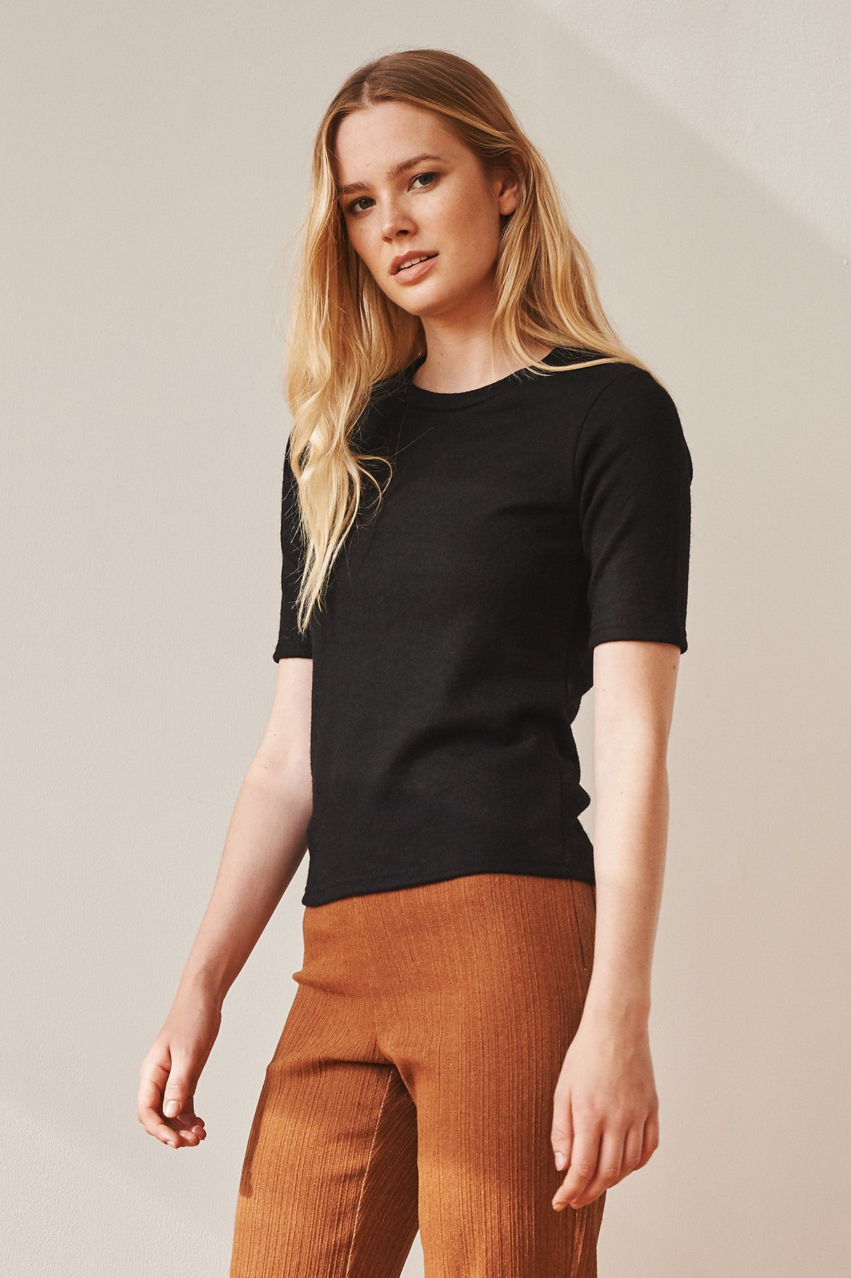 Sloane short sleeve fitted knit