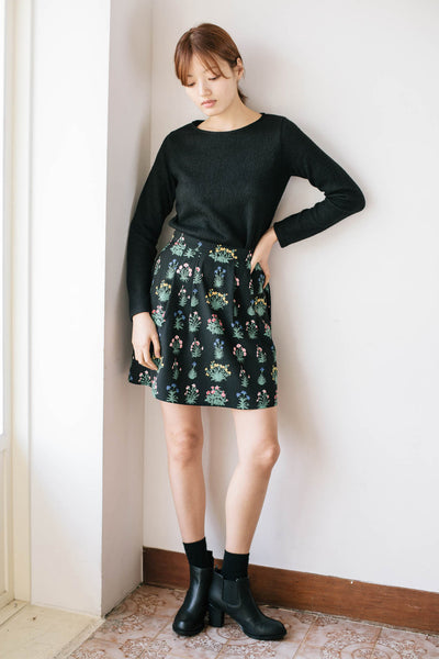 Darker pleat skirt