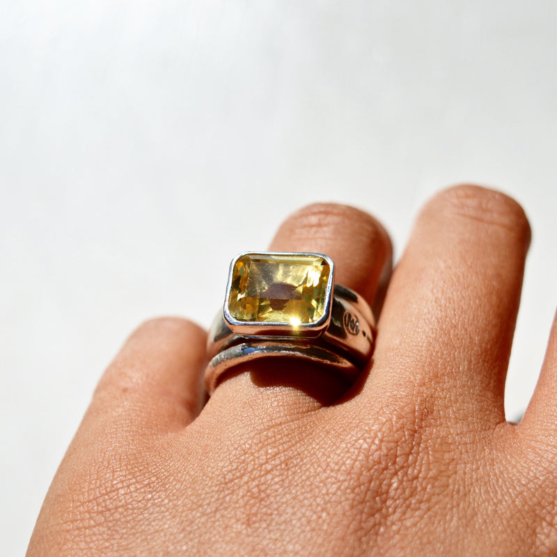 Allure Rectangle Golden Citrine Ring