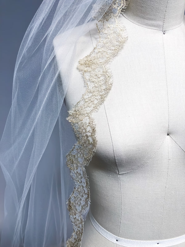Sample Sale | Attie veil