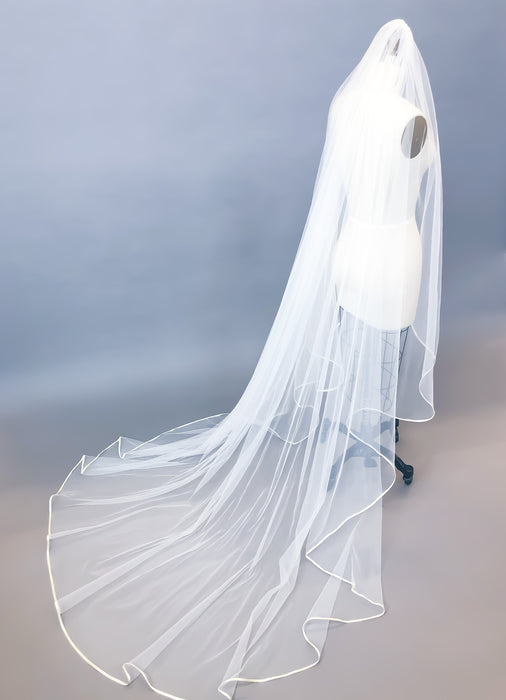 "Sample Sale | Custom 90"" Veil"