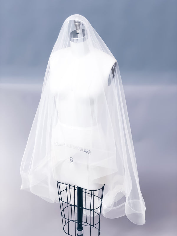 Sample Sale | April veil