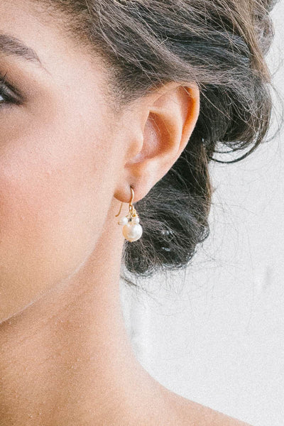 Dainty pearl earrings | Brides and bridesmaids | Sara Gabriel