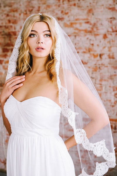 French lace bridal veil | Sara Gabriel
