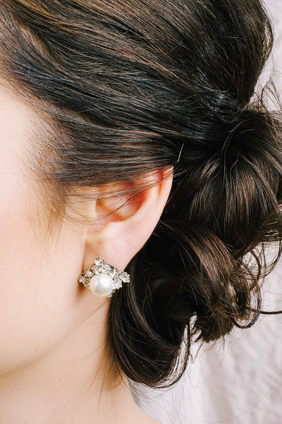 Perfect pearl stud earrings with Swarovski crystals | Sara Gabriel
